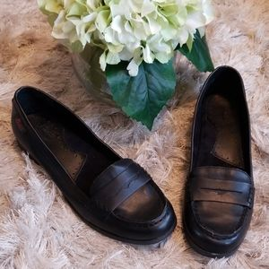 Women's black loafers from Bass size 6.5.